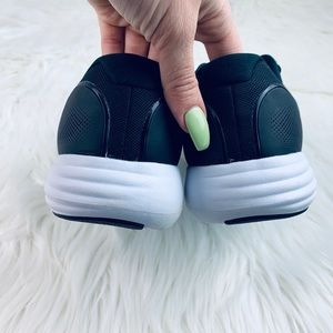 Nike Shoes - Nike Lunar Apparent NWT Size 7.5